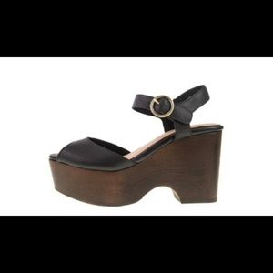 Chinese Laundry wooden heel sandal. New. Size 10